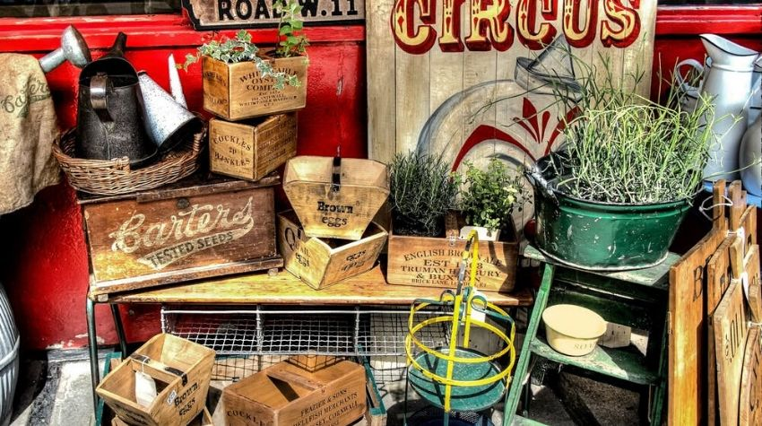 Antique store for inspiration for ar